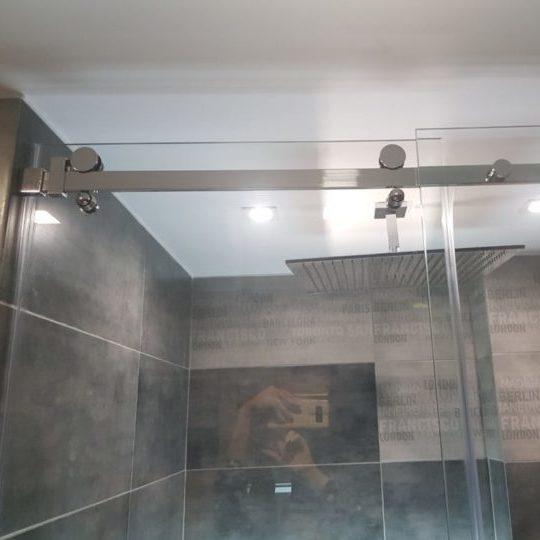 Раздвижная дверь душ